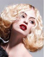 蓬松卷发图片大全 怎样的女人适合卷发发型