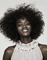 女生爆炸头短发发型图片 个性好看的中短发型