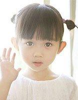 短发辫子发型扎法 幼儿短发扎头发发型图片