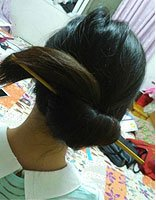 中年女性长发简单盘发发型 中年长发女人的扎法教程