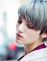 短发如何搭配非主流服装 非主流女生短发发型