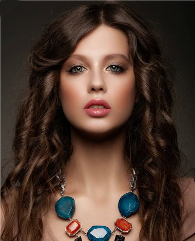 欧美卷发有哪种形状 欧美女生性感长卷发发型