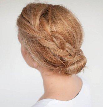 卷发怎么盘发好看 女生好看又简单卷发盘发发型