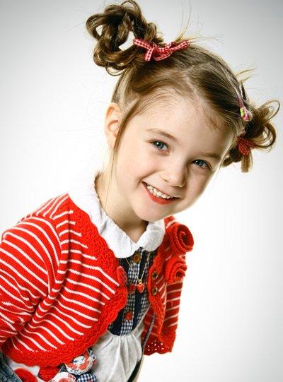 三岁的小女孩长发发型 小女孩儿童长发型图片
