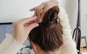 盘发的螺旋夹怎么用 简单螺旋盘发