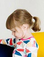 小女孩梳什么简单的头发好看 小女孩漂亮的头发怎么梳