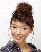 小卷长发发型图片 女生中长头发小卷