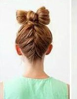 七岁小女孩长头发梳发的教程 长头发弄什么头型