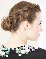 中分长头发怎么扎好看又方便 长头发的简单扎法步骤图片