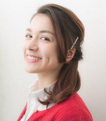 发型热点 > 简单发型扎法 >   女生日常怎样扎发才好看呢?图片