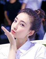 王丽坤有的不只是古装颜值 现代发型也很美