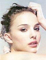 玩酷优雅风格的女星造型 娜塔莉・波特曼显瘦的好看盘发