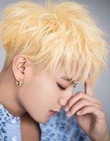 黄子韬二次元画风染发 金色才是最衬白的发色