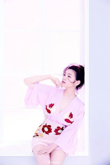 仙境中的陈妍希回归而来 美女凌乱头发秒杀众多人