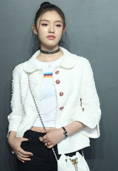 江疏影刘雯林允同出席CHANEL 现场谁的发型更具魅力
