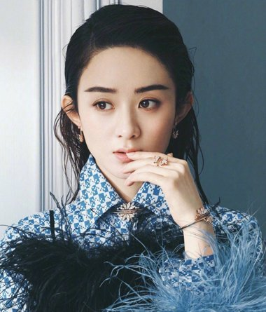 《你和我的倾城时光》定角赵丽颖 赵丽颖圆脸露额发型很不错