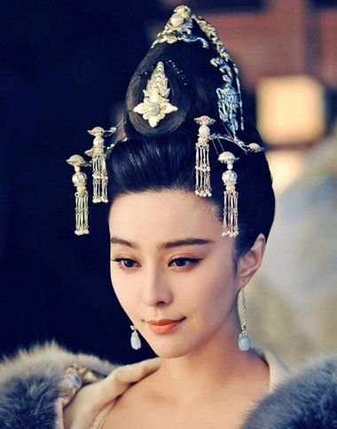 范冰冰除了在《武媚娘传奇》中有美到爆表的古装造型,还有其他非常图片