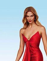 超模KK高开叉红裙大秀美腿 KK示范欧美风气质长发发型