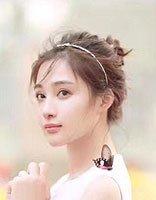 孙嘉璐蓬蓬裙变身甜心公主 夏日这样的发型很纯很少女