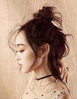 这样美腻的丸子头你见过吗? 何泓姗唯美少女范发型图片