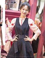 杨紫和刘敏涛撞衫演绎不同美 盘点女明星最新活动造型