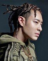 潘玮柏新专辑玩起编发造型 潘玮柏另类发型文艺又个性