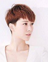 海清和儿子罕见同款画面超温馨 海清帅气短发发型不失女人味儿