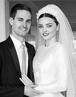 米兰达・可儿穿Dior婚纱嫁给爱情 可儿圆方脸卷发发型优雅时尚