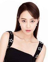 蓝盈莹全黑LOOK帅气写真 刘海长直发女王范十足