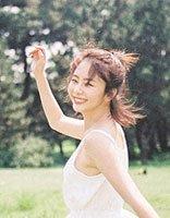 《浪花一朵朵》谭松韵和孙杨组成最萌身高差 短发半扎发拍写真的