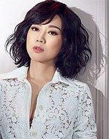 40岁陈数撞衫46岁闫妮输惨 闫妮减龄时尚中短发发型做天然女神