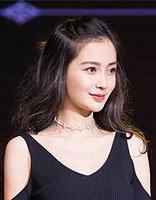 杨颖半扎公主头+裙装似少女 Angelababy扮嫩扎发发型盘点