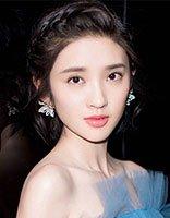 《漂亮的房子》发布会唐艺昕纱裙牛仔齐上阵 搭配短编发高雅or帅气
