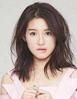 粉色连衣裙+中长发的苏青满满少女感 苏青几款漂亮的发型图片