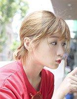 李浩菲短发写真俏皮有活力 18岁少女李浩菲可爱灵动发型图片