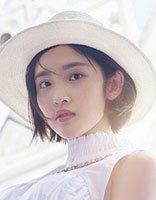 唐艺昕短发白裙成最美游客 唐艺昕短发搭帽子也很美