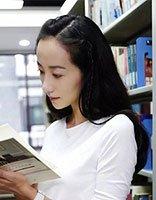 韩雪为母校拍110年校庆宣传片 黑色长发造型变身清纯学生妹