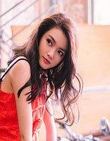 赖婧写真精致如洋娃娃 赖婧示范95后美腻少女风发型