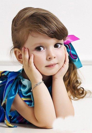 小朋友扎头发简单2018世界杯体育投注平台的步骤 如何给3岁的小朋友扎头发