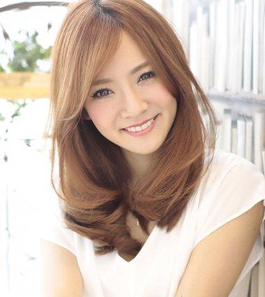 颊骨宽适合什么发型 中年女发型图片前门宽+头发少