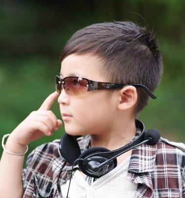 适合小学男生的发型 小学生的男生简单发型