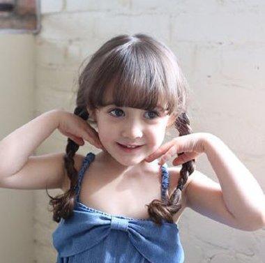 小女孩最可爱的发型 给小女孩学编可爱的发型