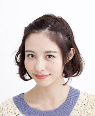 韩国MM可爱短头发扎半截的扎法图解 2018齐肩发扎头发可爱扎法步骤