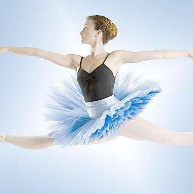 简单巴蕾舞发型 跳芭蕾舞扎头发造型方法