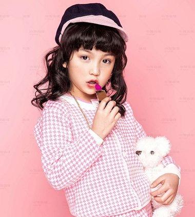 小女生怎样梳头简单又漂亮 小女生梳头的花样怎么梳2018世界杯体育投注平台