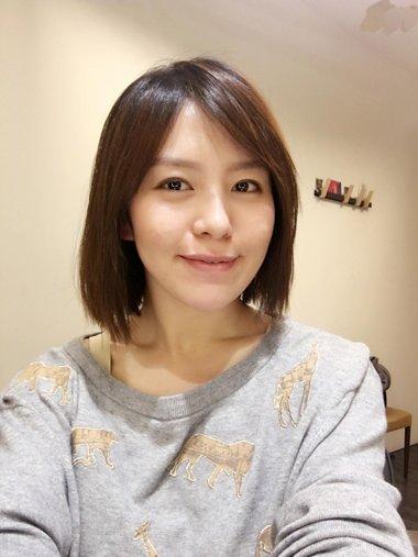 剪中年女人发型图 自己剪长发变中发型