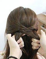 辫子上边薄薄的一层鱼骨辫 薄长发的编法