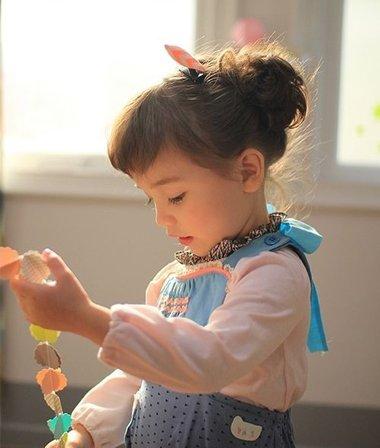 简单花包头扎发发型 小孩简单韩式扎发发型
