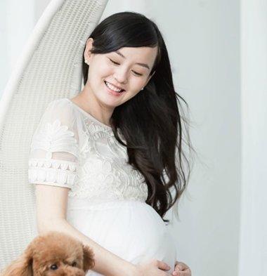 俏皮可爱孕妇发型图片 女生超长发可爱发型