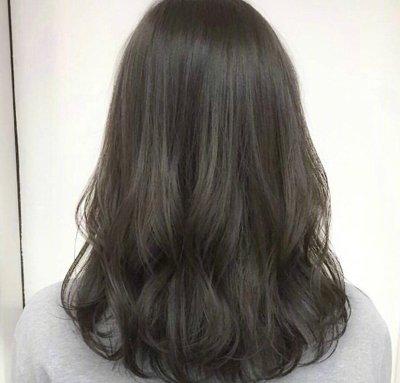 2018年韩式女生披肩微卷发发型正流行,你不尝试下吗?…… 查看全文>>图片